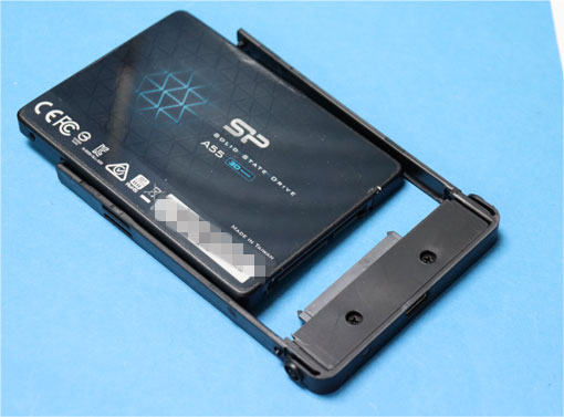 Salcar HDDケース にSSD