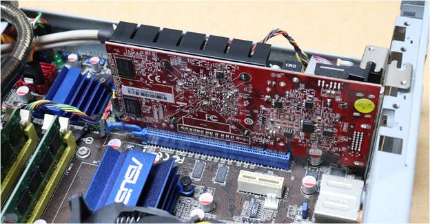 RD-R5-230-E1GB/HSをPCI-Eにさす