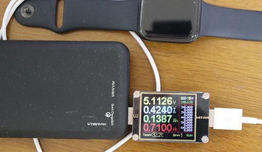 BMB-Qi10Kで、Apple Watchを充電するとき、純正の磁気充電ケーブルで、0.4A/5V充電ができる