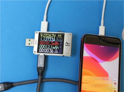 CT-3 で USB-C LightningケーブルでiPhoneを充電する電流電圧をみる