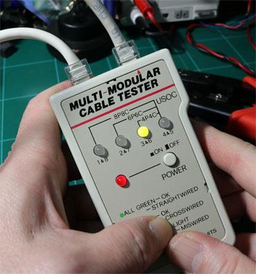 LANケーブル結線テスター で、通電するかを確認する