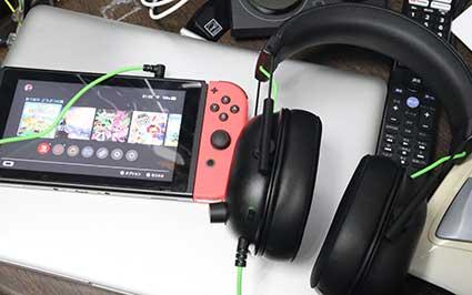 Nintendo Switch本体に BlackShark V2 Xをつなぐ
