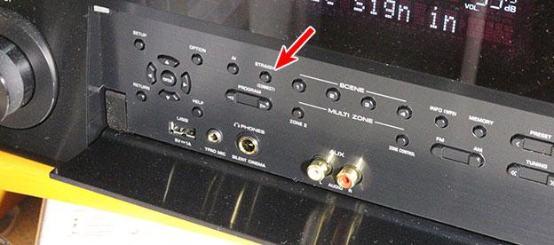 RX-A1080のフロントパネルに、STRAIGHTボタンが、Connectボタンと兼用である 5秒長押し