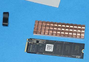 M.2 SSDとヒートシンク