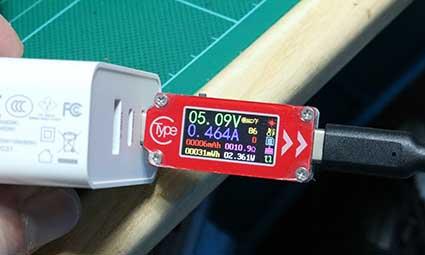ホリ DualSenseワイヤレスコントローラー専用 充電スタンド ダブル for PS5 の充電電流